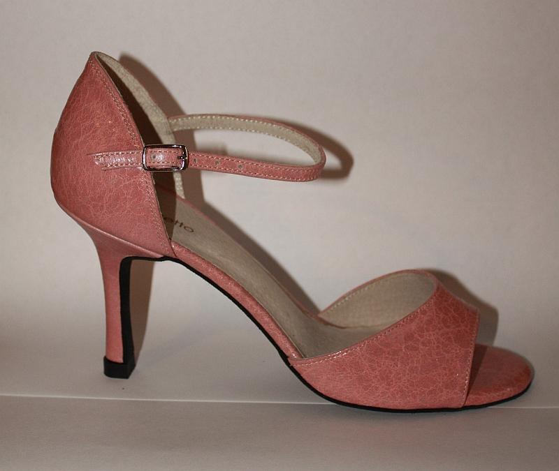 Цвет туфель