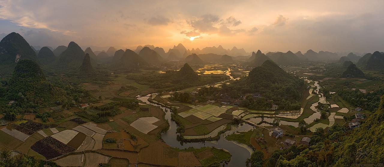 Рисовые террасы в Гуанси, Китай...