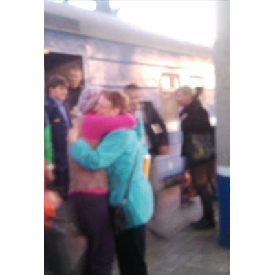 ходила на вокзал встречать подругу...