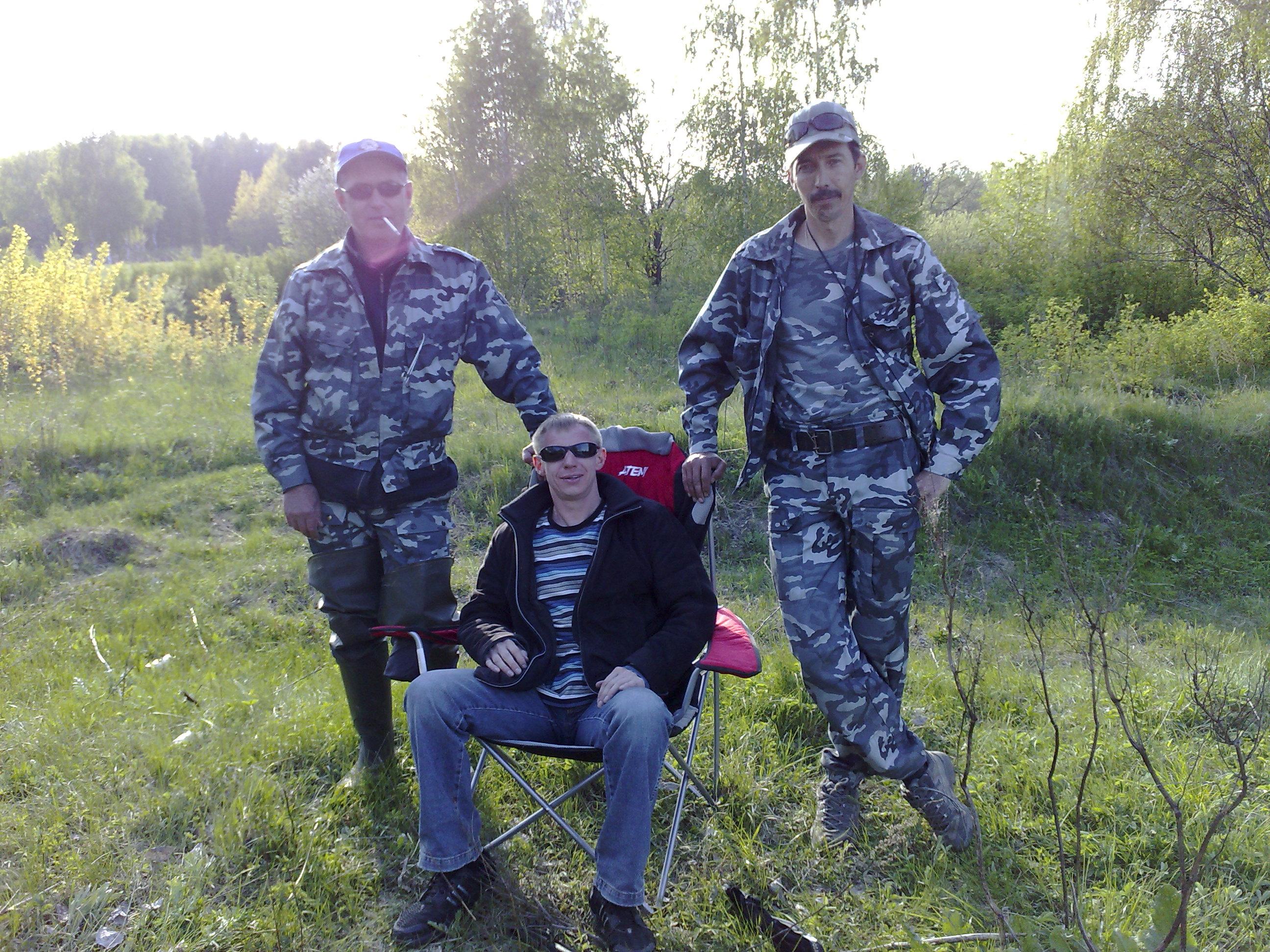 Охрана для рыбака.. :)