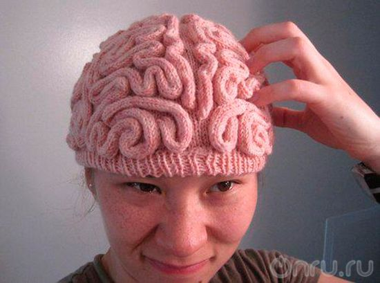 Женщине тоже нужен мозг...ну..или....хотя бы шапочка)
