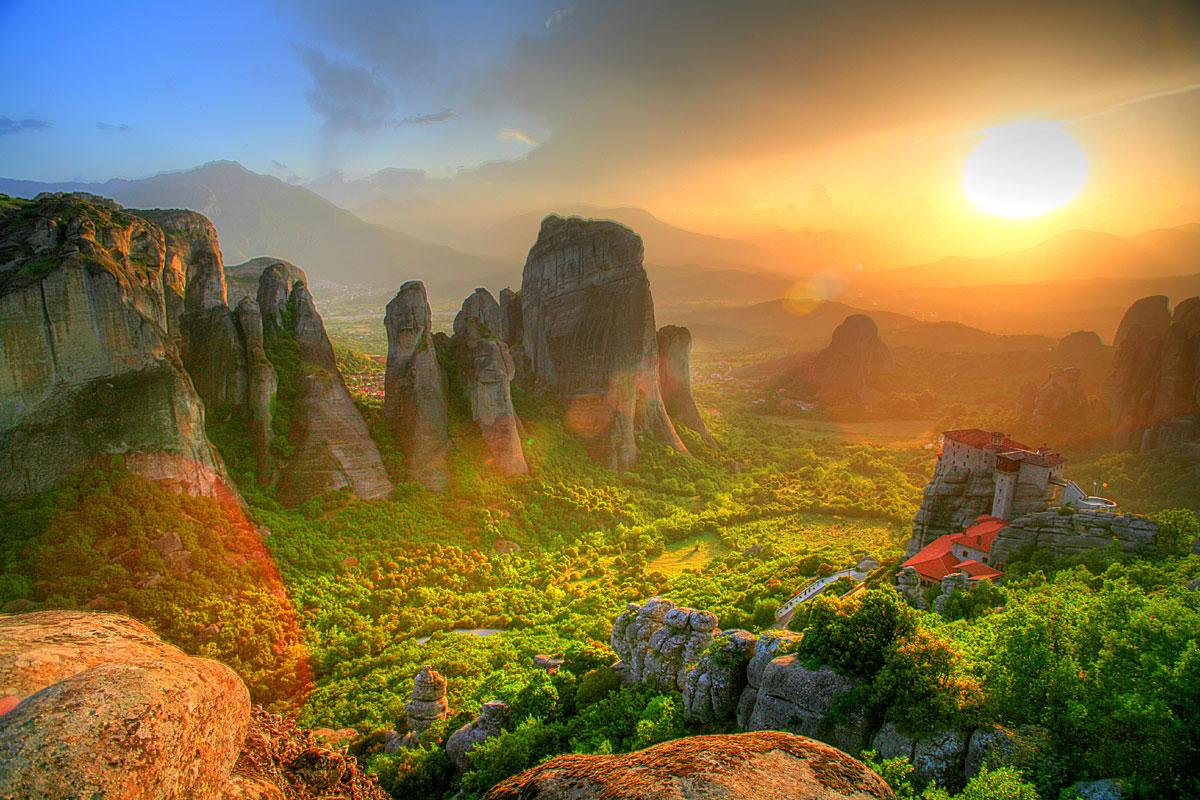 Метеоры в горах Фессалии, Греция...