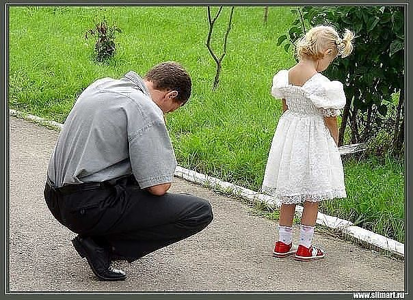 Подошла дочурка к Папе и задала во...
