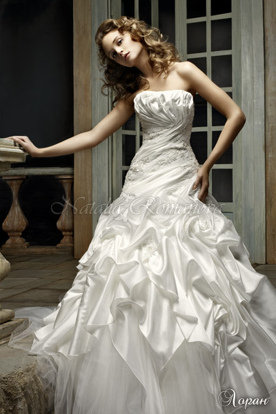 Продаю красивое свадебное платье к...