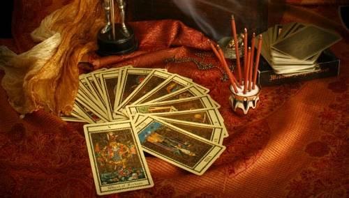 Таро – старинный карточный оракул,...