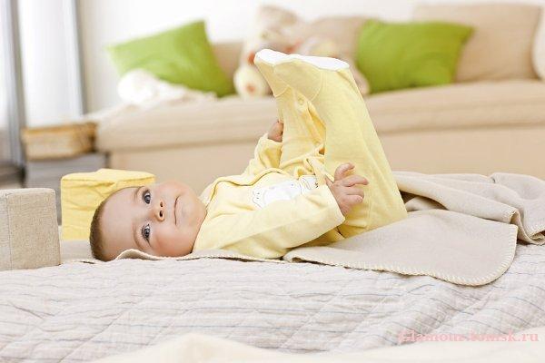 Одежда для новорожденных и детей д...