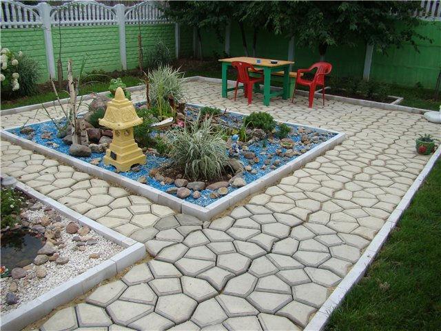 Пол*и*тен. Форма для заливки садов...