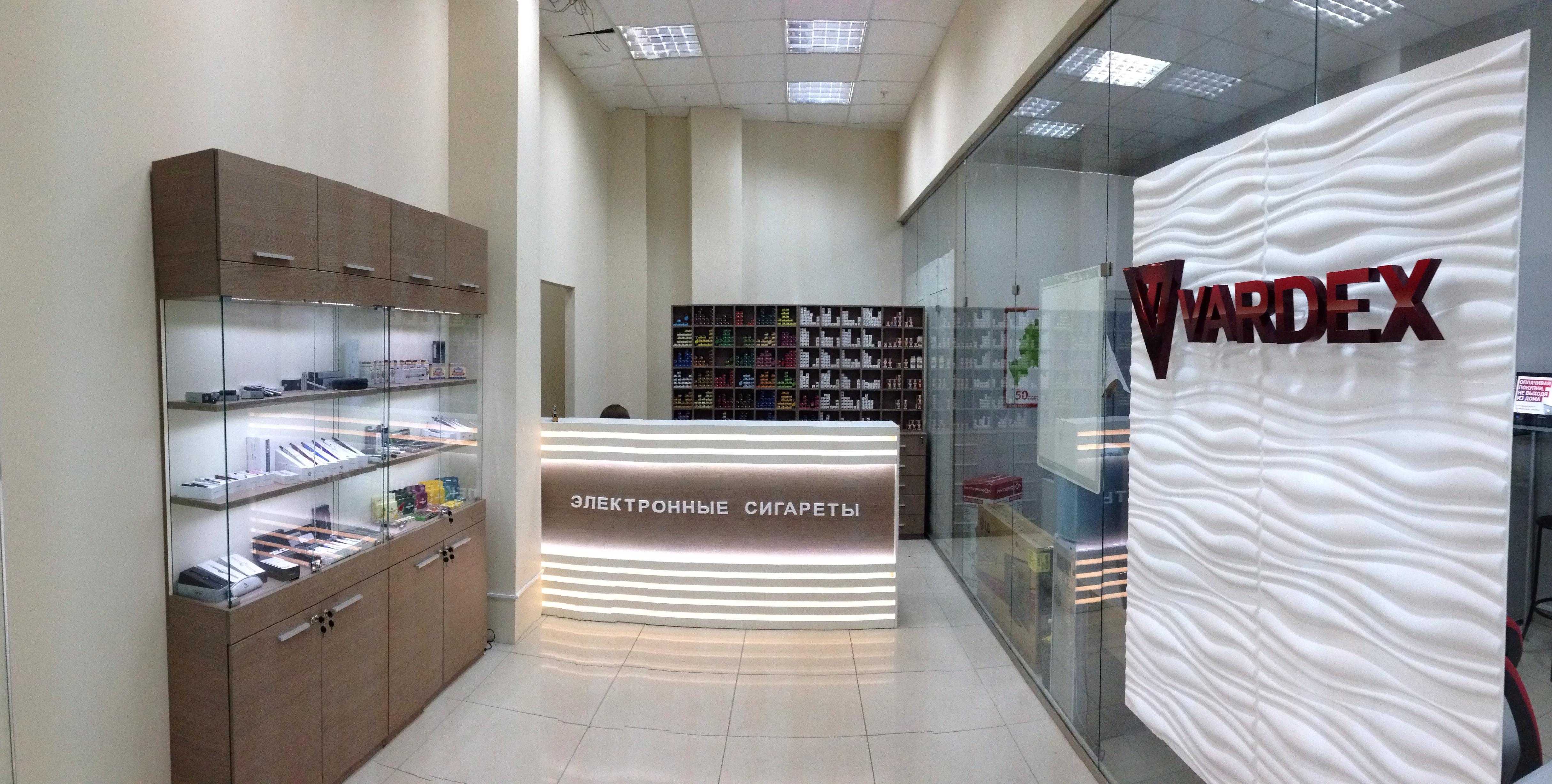 Открыли первый магазин, в Печерах...