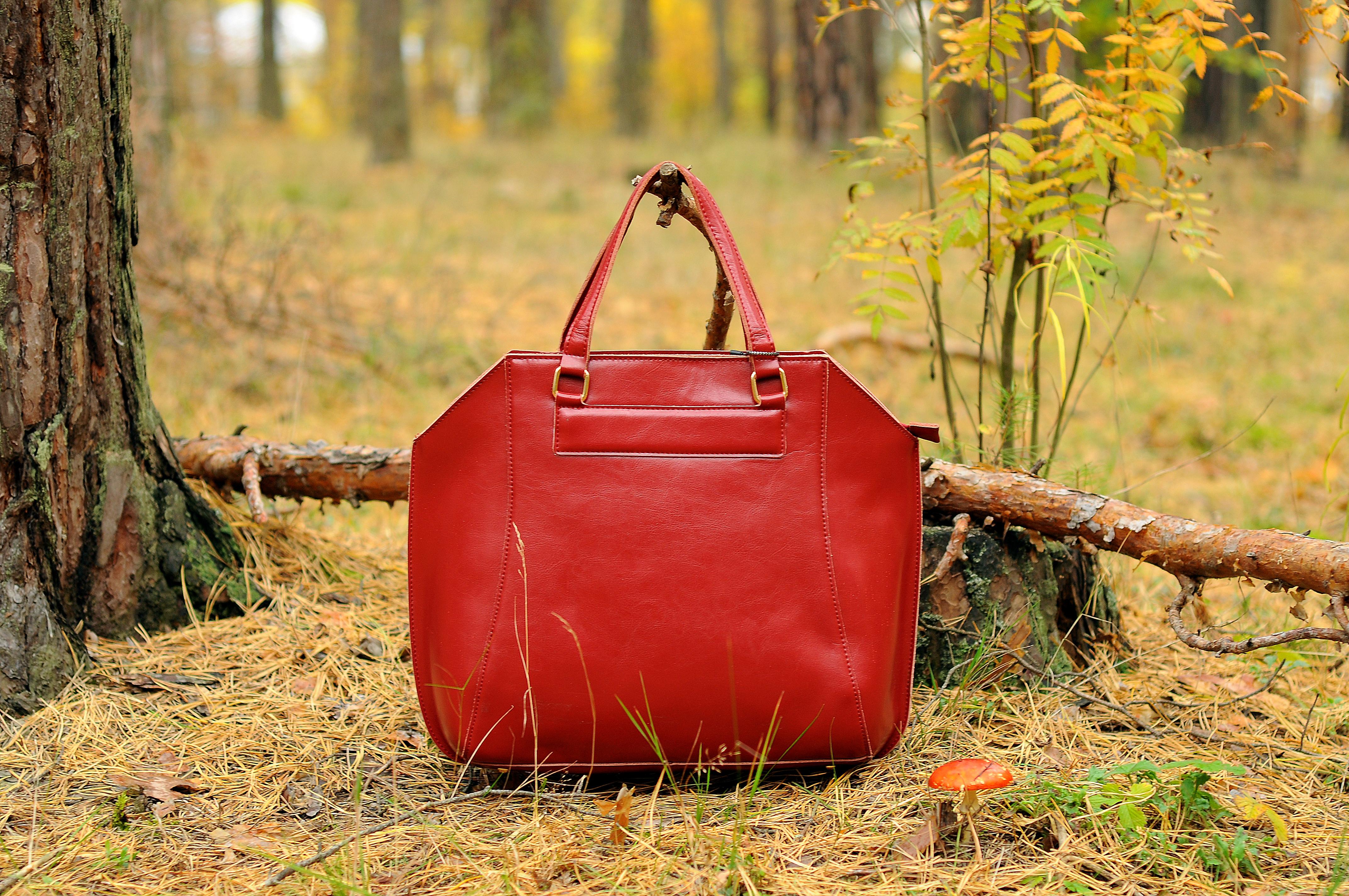 Шикарная осень с сумками из кожи с...