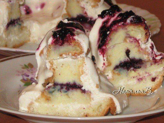Торт Сакура - японский бисквит с творожно-сметанным кремом и черной смородиной