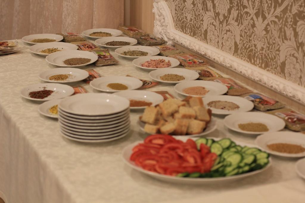 Девочки, хочу похвастаться;))) Мастер-класс с нашими приправами прошел в ресторане Купеческий