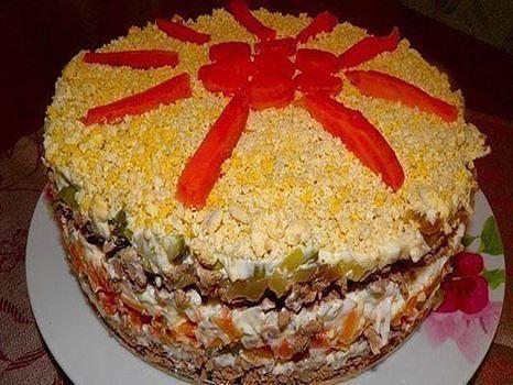 Вкуснейший слоёный печёночный салат для новогоднего стола !