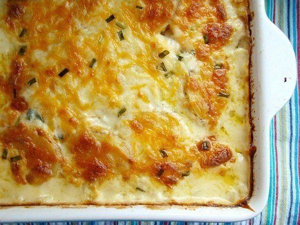 Запеченный картофель в духовке с сырным соусом