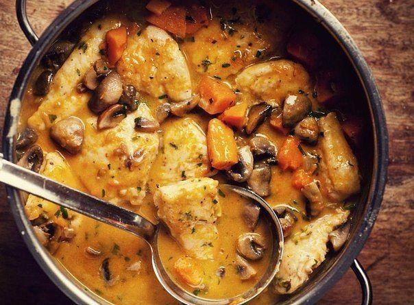 Спортивный вариант куриной грудки с грибами в сливочном соусе