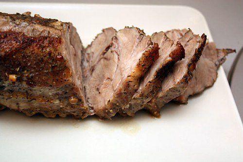 Свинина с чесноком, запеченная в соли