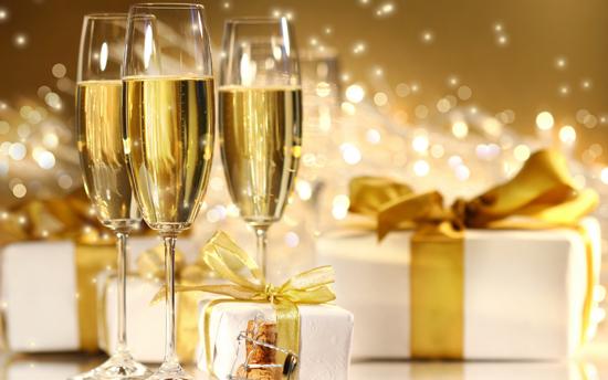 С Новым годом, дорогие друзья!!! :))