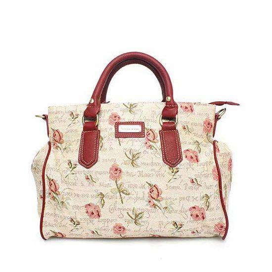 Огромный выбор сумок, кошельков, ремней, перчаток и многое другое! Есть распродажи