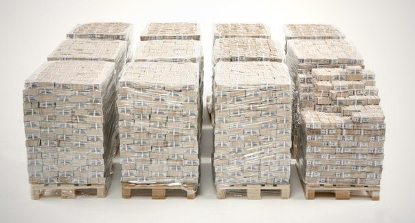 Так выглядит один миллиард долларов наличными