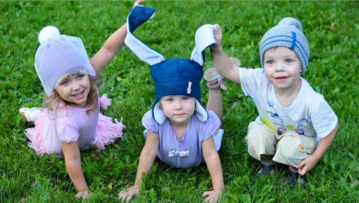 Кудесница детские шапки на все сезоны. Шарфы, манишки, варежки, гетры, цветы для шапочек, ободки и разные милые