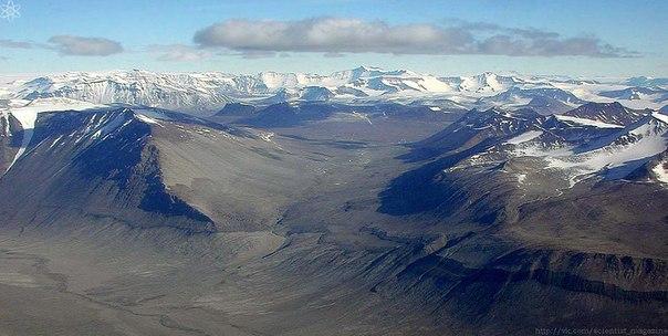 Самое сухое место на Земле не Сахара или другая известная пустыня, а область в Антарктиде под названием Сухие долины