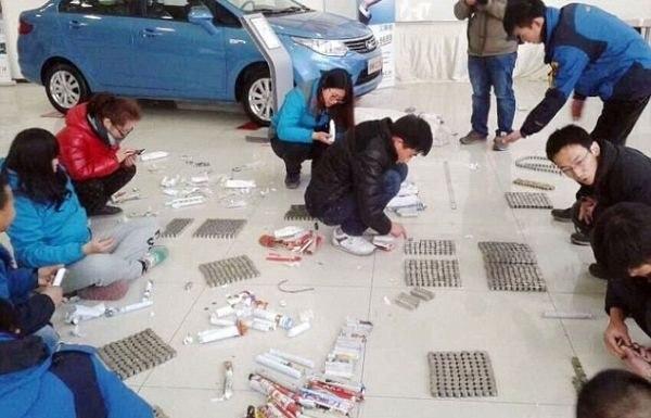 Описываемый случай произошел в одном из автосалонов Китая.