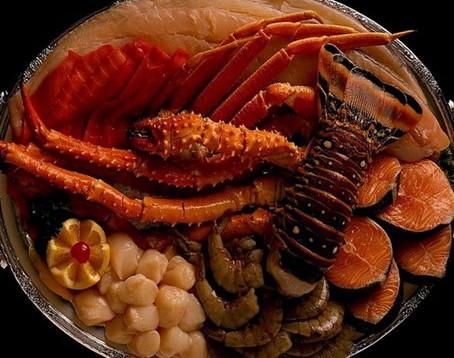 Приглашаю в закупку закусок из морепродуктов, мясные закуски, орешки, гренки.