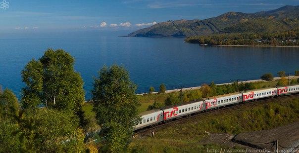 Самая длинная железная дорога это Транссибирская магистраль длиной 9438 км