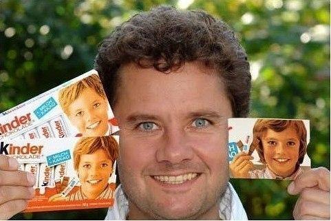 Немецкий мальчик, который на протяжении 32 лет был лицом шоколадной фирмы Kinder.