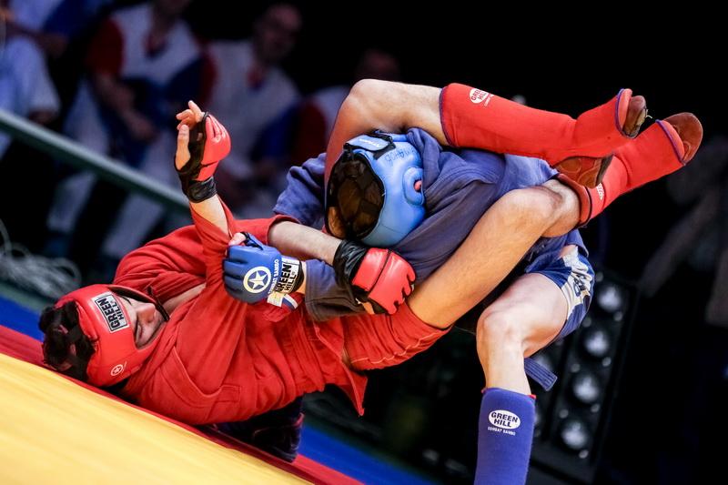 Нижегородские боевые самбисты примут участие в Чемпионате России