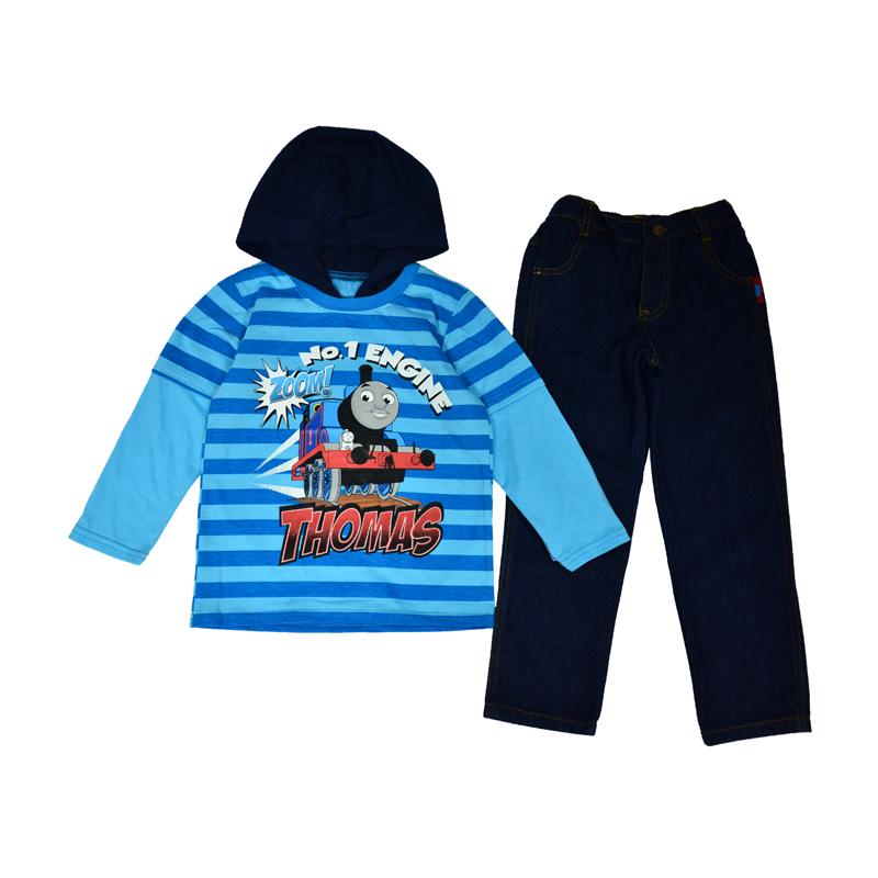 Утепленный костюм для мальчиков с изображением паровозика Томаса понравится всем юным сорванцам без исключения.