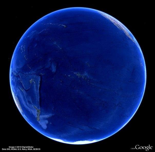 Все привыкли видеть Землю пёстрым разноцветным шаром.