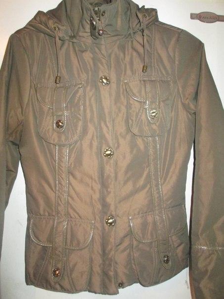 осенняя куртка 40-42