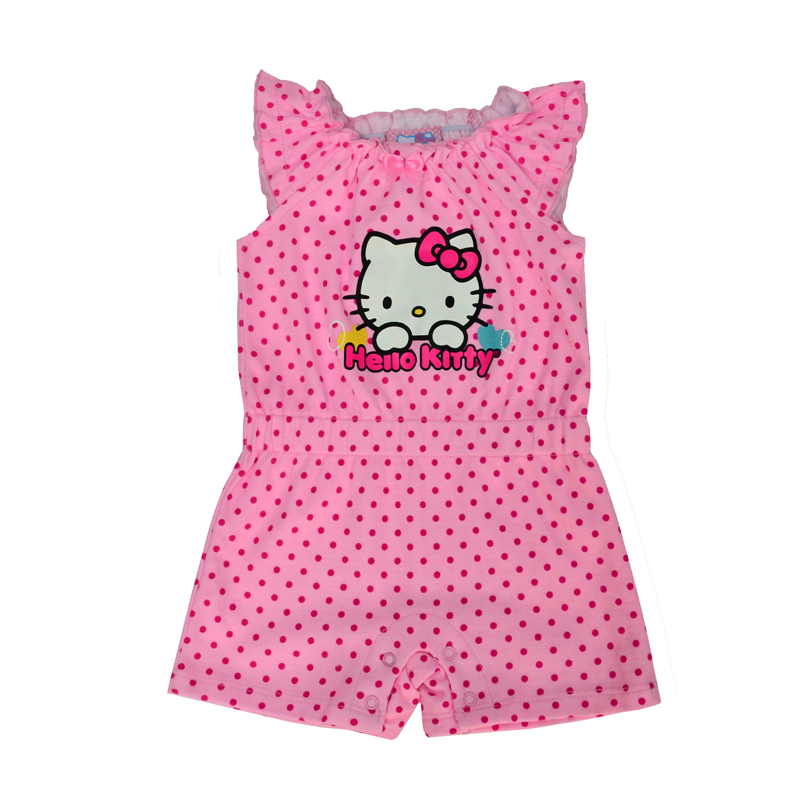 Каждая молодая мама, покупая новый наряд для своей малышки, ищет не только модные, но и практичные вещи.