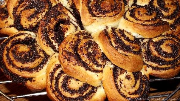 Употребление в пищу пирожков или булочек с маковыми зёрнами может вызвать положительную реакцию теста на наркотики в крови.