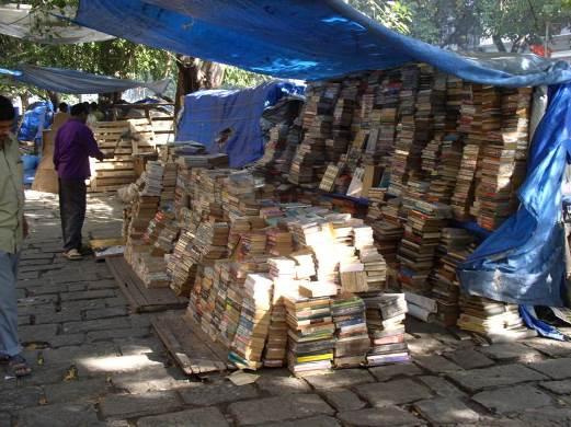 Книжный развал. Уценённые журналы и книги разных издательств.