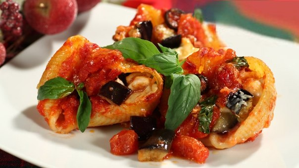 Вегетарианские вкусняшки. МАКАРОНЫ УЛИТКИ ЗАПЕЧЕННЫЕ С БАКЛАЖАНАМИ И СЫРОМ