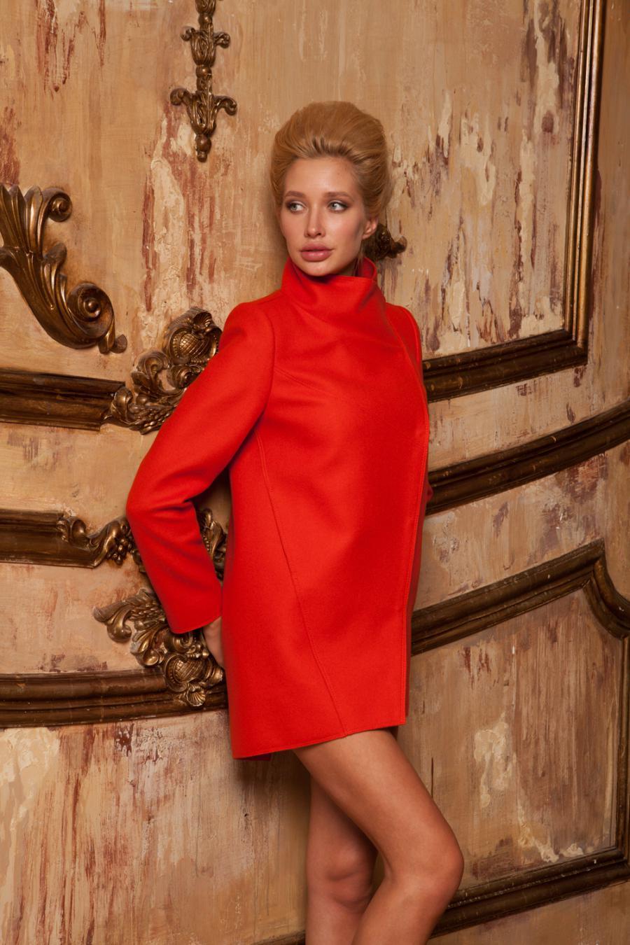 Последняя распродажа пальто, цены от 1800 руб.
