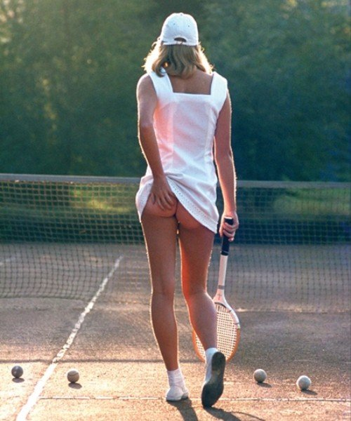Теннисистка одна из самых продаваемых фотографий в истории. Англия, 1976 год