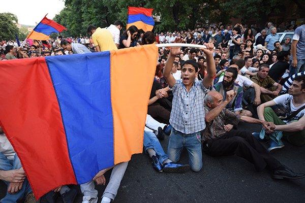 Стратегия США - управляемый хаос. На очереди - Армения.