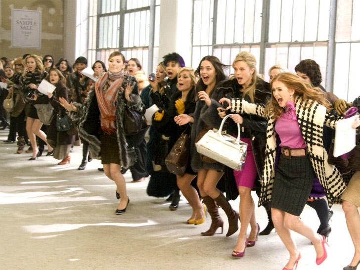 ОДЕЖДА-МАСТЕР! Одежда , аксессуары - 45. Куртки, толстовки,спортивные костюмы кофточки,платья, туники, сумки,обувь аксессуары,бижутерия. Огромнейший выбор всего-всего по супер бюджетным ценам. Без рядов