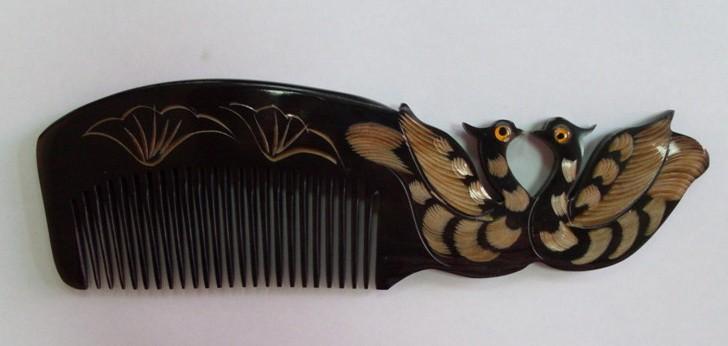 Расчески из натуральных материалов.Деревянные и роговые! Ухаживать за волосами станет проще!)Отличный подарок! 7