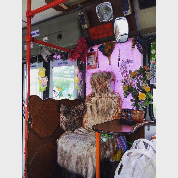 Да что ты знаешь о роскоши? Место кондуктора в омском автобусе.