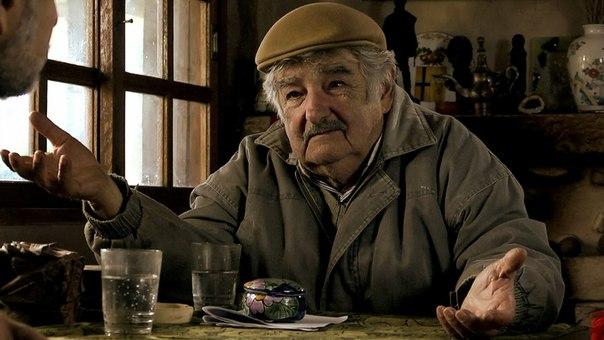 Президента Уругвая Хосе Мухику соотечественники называют el presidente mas pobre самый бедный президент