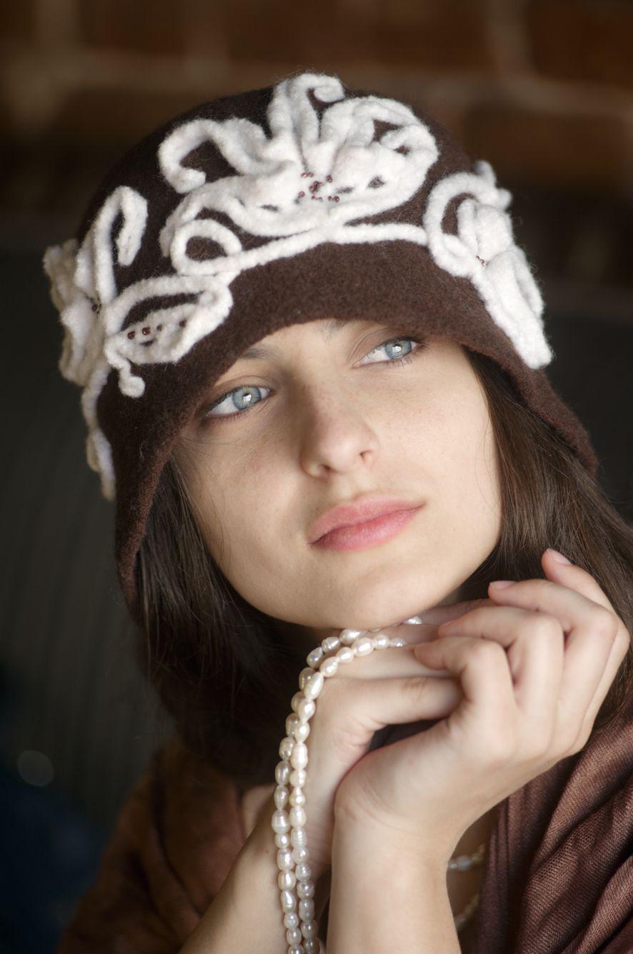Сбор заказов.Под шляпкою - в любой сезон найдете бездну шарма! Она всегда - хороший тон, носите шляпки, Дамы! Эксклюзивные головные уборы из натуральной шерсти! Еще и сам себе дизайнер - выбор цвета основы и отделки под Ваш образ! Выкуп-12.