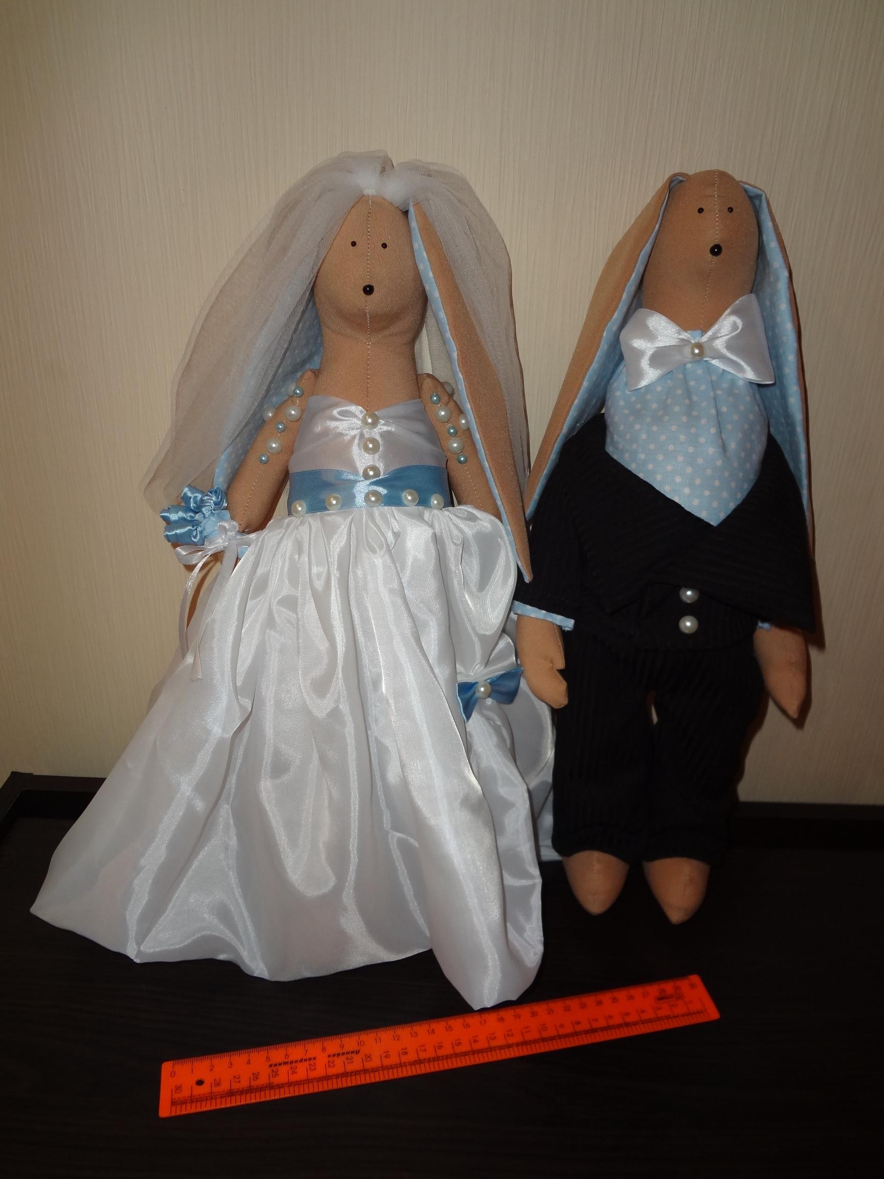 Свадебные зайцы. 46 см. Одежда не снимается