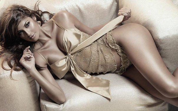 Шикарное нижнее белье по очень привлекательным ценам. Комплекты от 300 рублей, большой ассортимент трусиков, имеется распродажа купальников. Галереи.