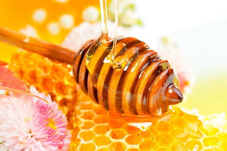 И снова МЕД АВГУСТОВСКИЙ - РАЗНОТРАВЬЕ, РАМКИ, Пыльца, прополис, перга... Кедровые орешки и кедровое масло......
