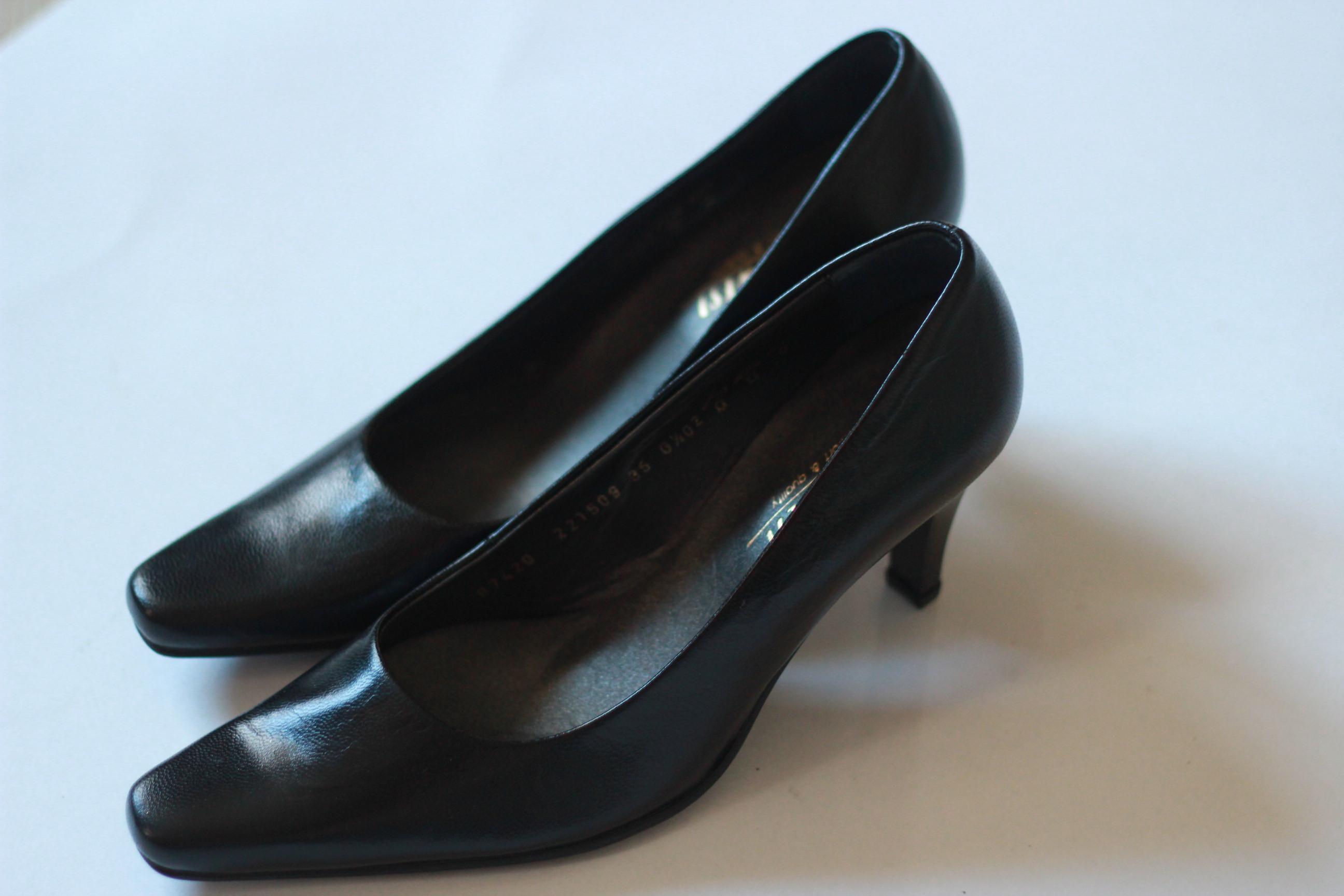 Сбор заказов. Кроссовки от 290 рублей , ботинки натуральная кожа от 490 рублей, туфли по 390 рублей!!! Распродажа! Мужские, подростковые, женские модели.Очень хорошее качество.