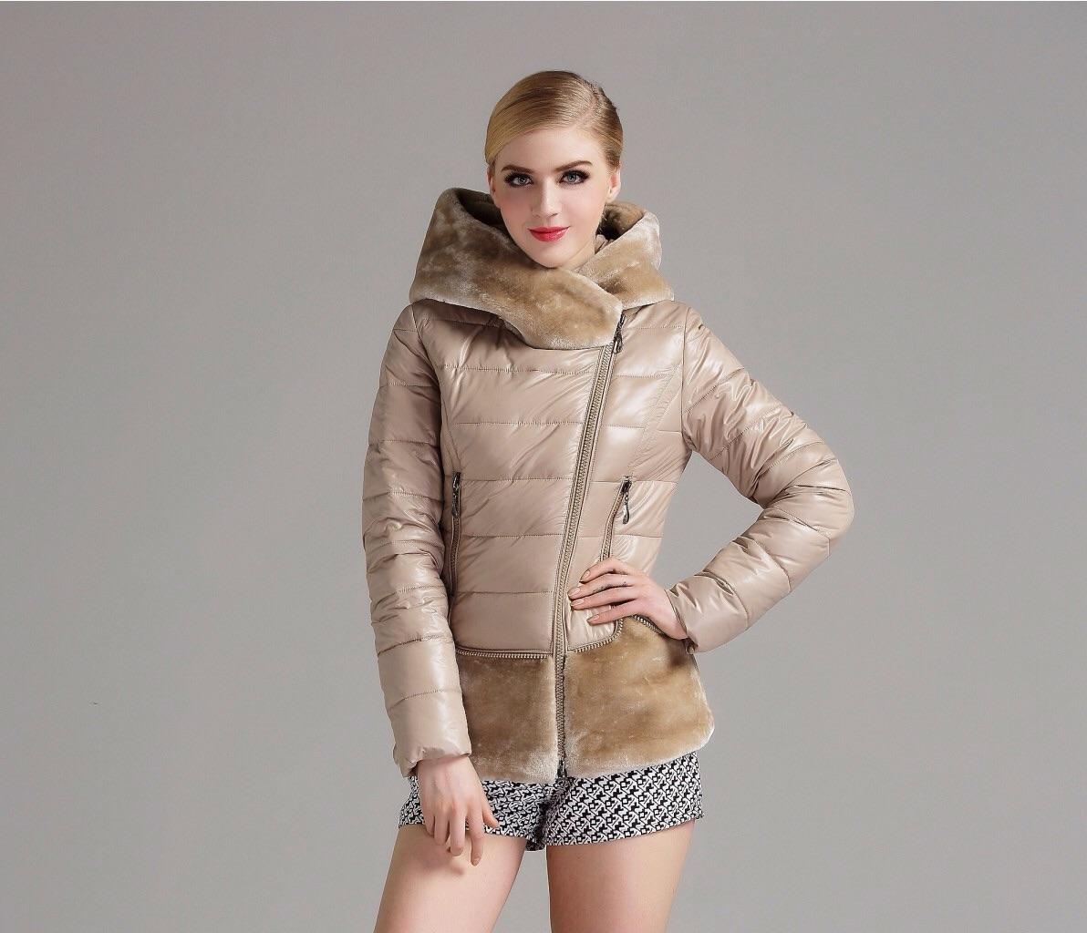 Курточка утепленная для автоледи короткая.