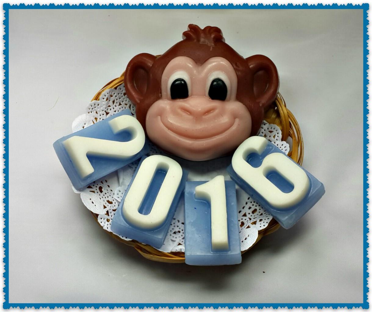 Оригинальные подарки ручной работы !Ваши близкие будут довольны!И вновь новинки-милые обезьянки символ следующего года!Очень красиво,зайдите и убедитесь :)теперь мы дарим подарки!Новинка!букеты из конфет,гел.свечи!